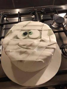 Mummy cakes - halloween cakes - birthday cakes - spooky cakes - character cakes - occassion cakes - blacks creative cupcakes - cake maker